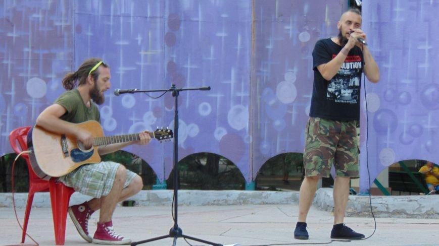 «Оркестр Че» подарил мариупольцам программу в стиле visual art rock (фото) - фото 1
