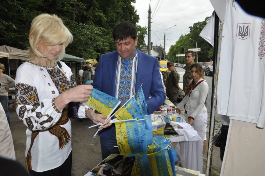 Волонтери організації «Буковина – українському війську» ярмаркували на користь бійців АТО, фото-5