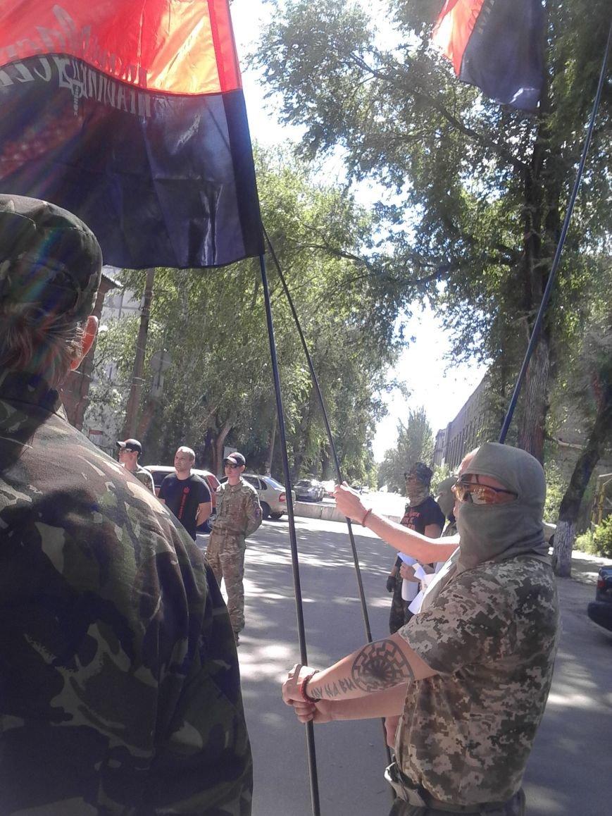 «Правый сектор» пикетировал Жовтневый райотдел милиции Мариуполя (ФОТО), фото-6