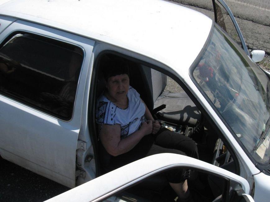 Авдеевские волонтеры помогли местной жительницы добраться на лечение в Донецк (ФОТО), фото-4