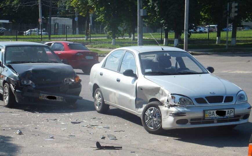 В Кировограде два автомобиля попали в ДТП. ФОТО (фото) - фото 1