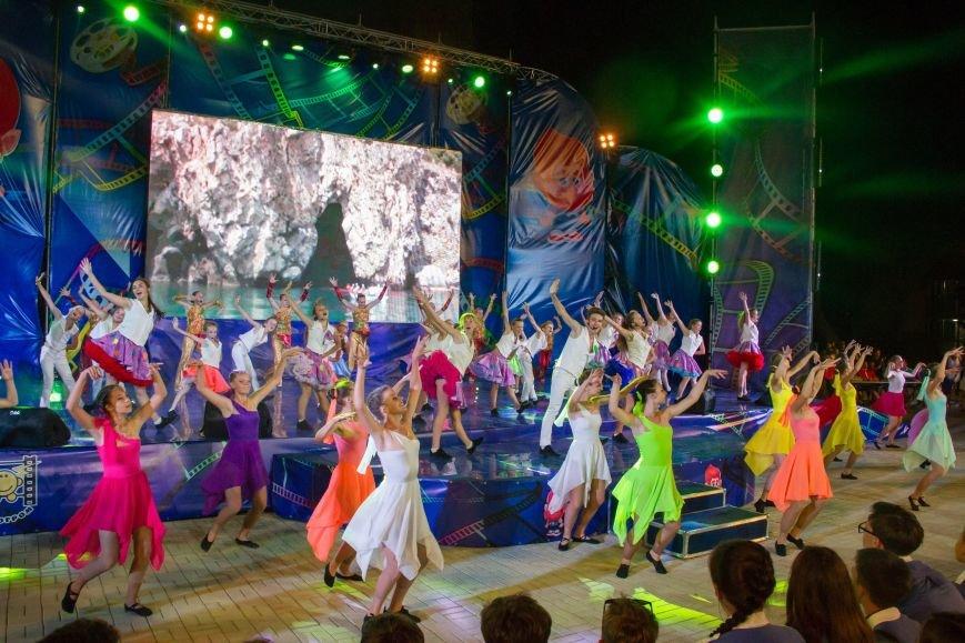 В Крыму завершился Международный детский кинофестиваль «Алые паруса». Лучшим фильмом названа военная драма «Единичка» (ФОТО, ВИДЕО) (фото) - фото 3