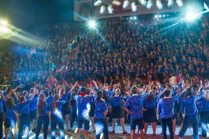 В Крыму завершился Международный детский кинофестиваль «Алые паруса». Лучшим фильмом названа военная драма «Единичка» (ФОТО, ВИДЕО) (фото) - фото 1