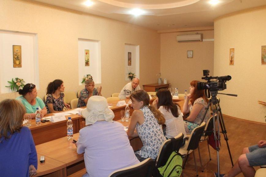 Днепродзержинский театр подвел итоги уходящего сезона и поделился планами на следующий (фото) - фото 3