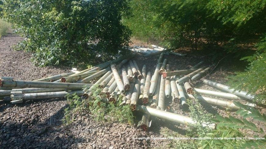 Неподалеку от Мариуполя обнаружили 40 реактивных зарядов для «Града» (ФОТО+ВИДЕО), фото-1