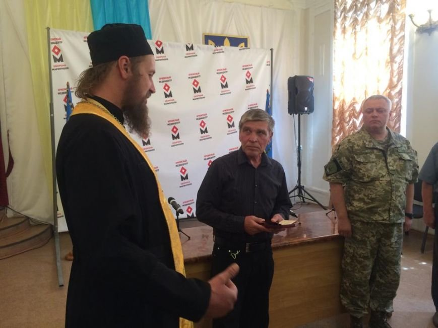 Отец погибшего киборга Андрея Миронюка получил награду в Мариуполе (ФОТО), фото-10