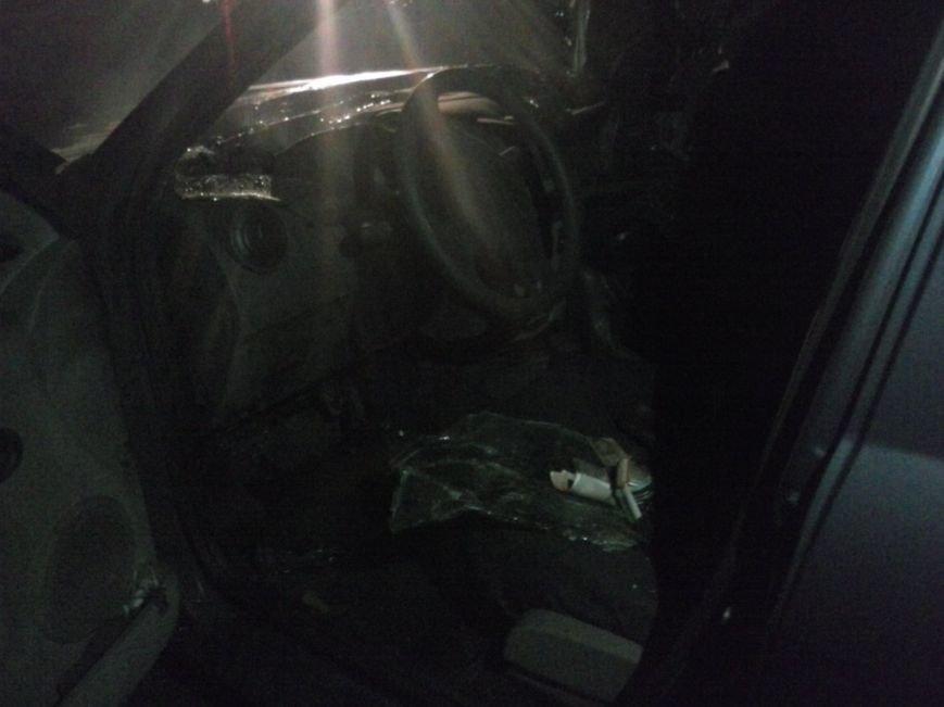 В Красноармейске ЧП: в м-не «Южный» взорвалась машина (ОБНОВЛЯЕТСЯ) (фото) - фото 9