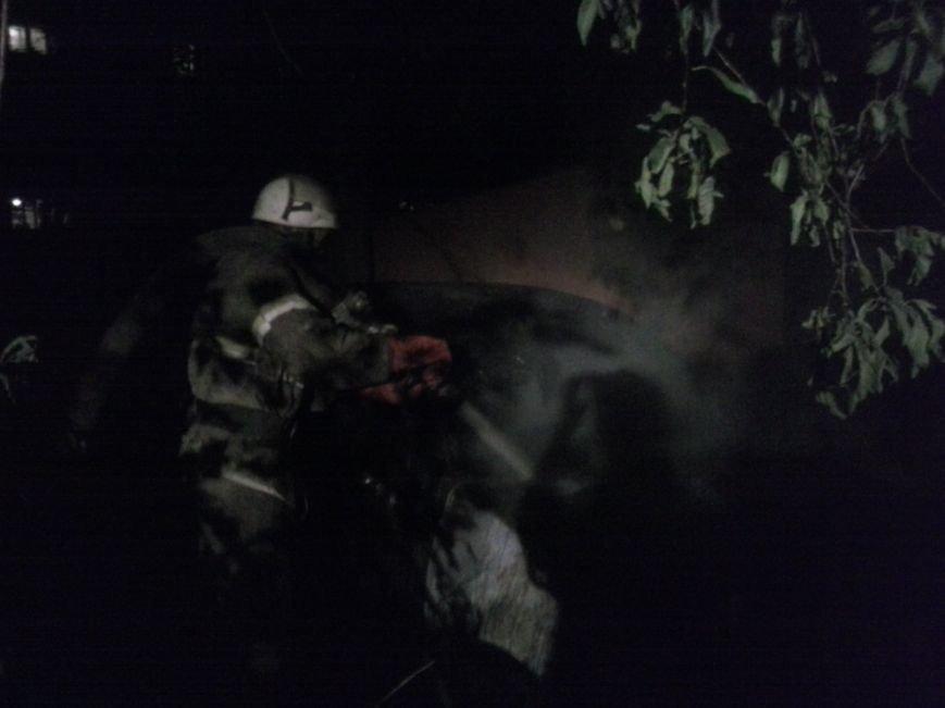 В Красноармейске ЧП: в м-не «Южный» взорвалась машина (ОБНОВЛЯЕТСЯ) (фото) - фото 2