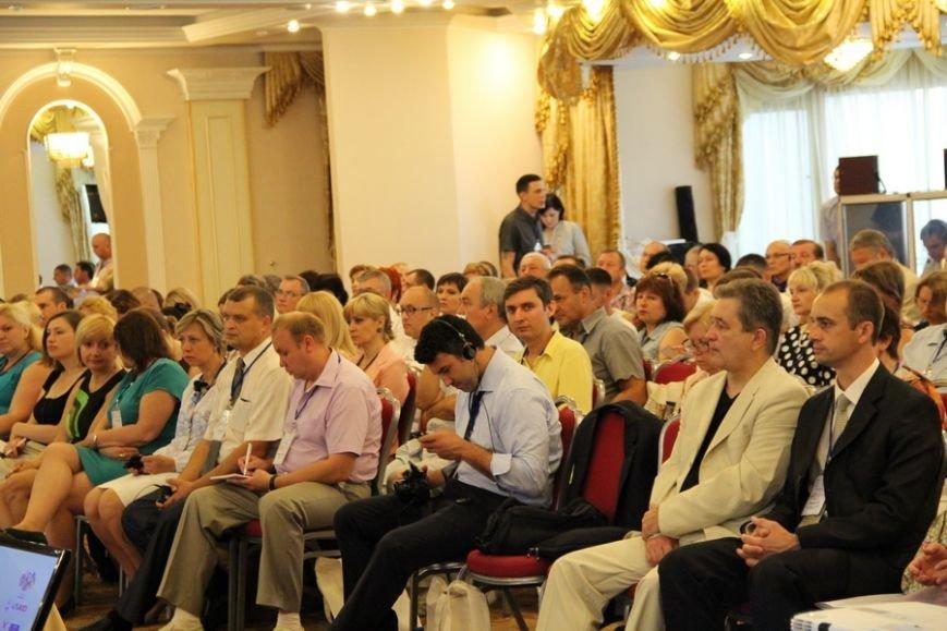 Пенітенціарії Полтавщини взяли участь у конференції «Охорона здоров'я за ґратами» (фото) - фото 2