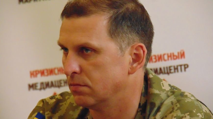 В Мариуполе не могут справиться с предпринимателями, продающими алкоголь солдатам и офицерам (фото) - фото 1