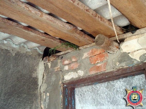 В районе Мариуполя молодой человек хранил коноплю (ФОТО) (фото) - фото 1