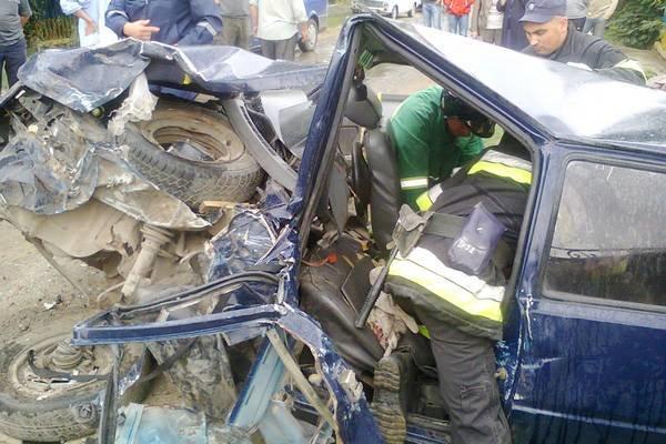 Водій та троє пасажирів – у реанімації: на Тернопільщині зіткнулися легковий автомобіль та вантажівка (ФОТО) (фото) - фото 1