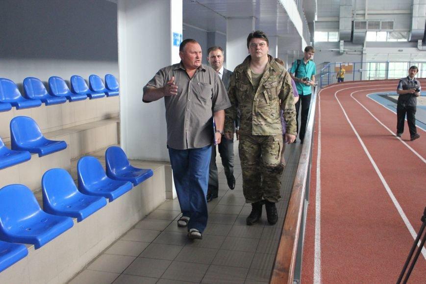 Министр молодежи и спорта Украины высоко оценил артемовский стадион «Металлург», фото-3