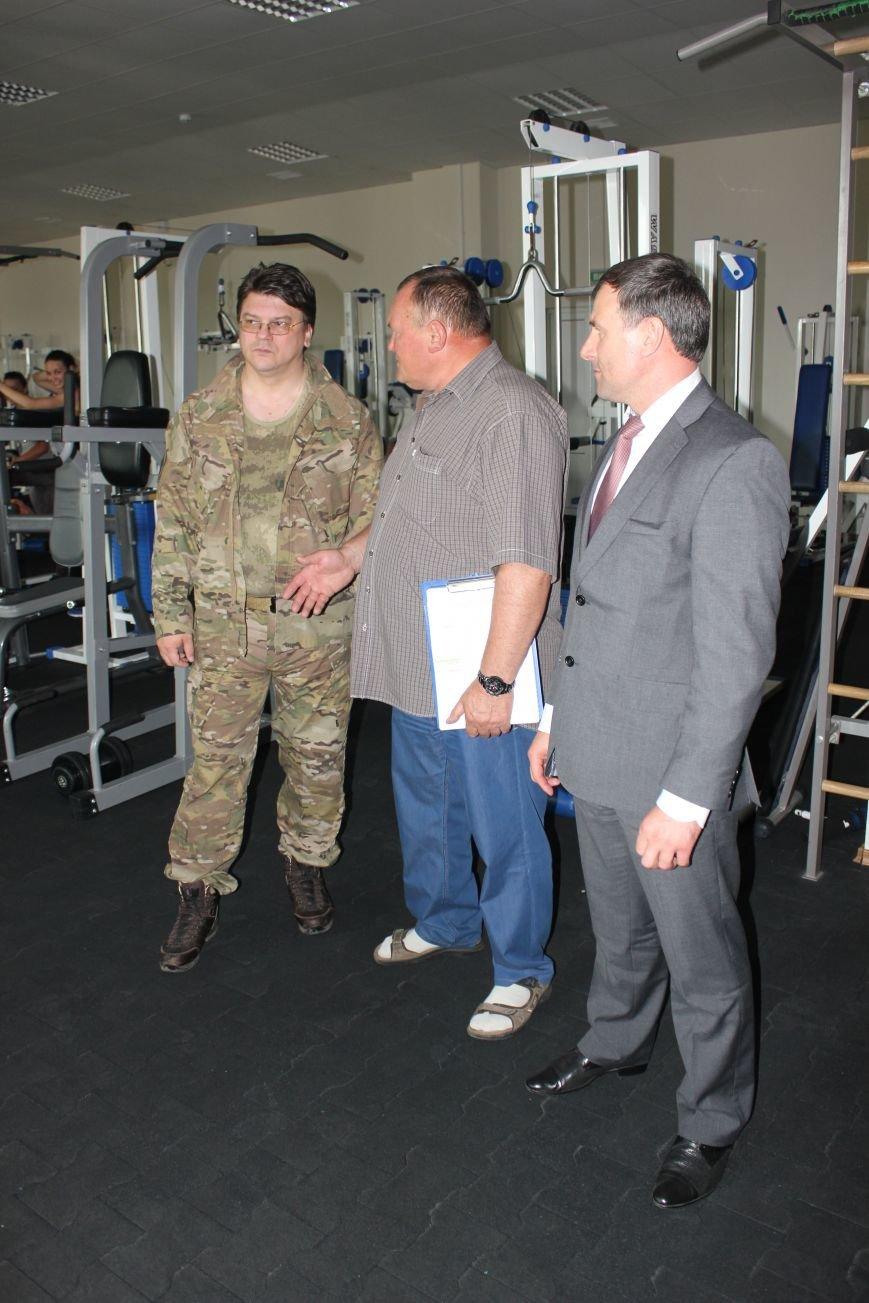 Министр молодежи и спорта Украины высоко оценил артемовский стадион «Металлург», фото-2