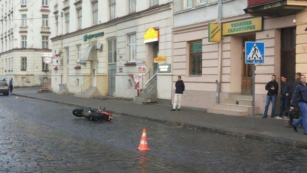 У Львові мотоцикліст скоїв наїзд на 66-річного пішохода (ФОТО) (фото) - фото 2