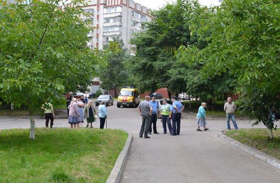 Опубліковані нові фото з місця вибуху біля райвідділу міліції, що стався  на вулиці Юрія Липи (ФОТО) (фото) - фото 1
