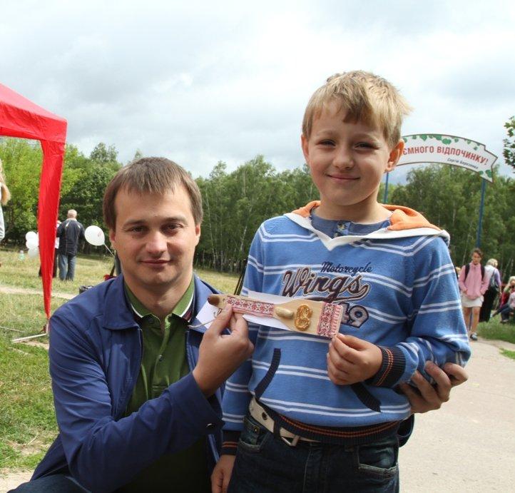 В Чернигове состоялся благотворительный аукцион работ, которые смастерили ученики «Детской летней школы Волшебников», фото-6