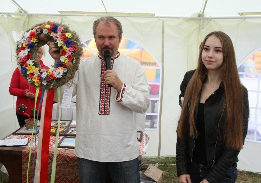 В Чернигове состоялся благотворительный аукцион работ, которые смастерили ученики «Детской летней школы Волшебников», фото-2