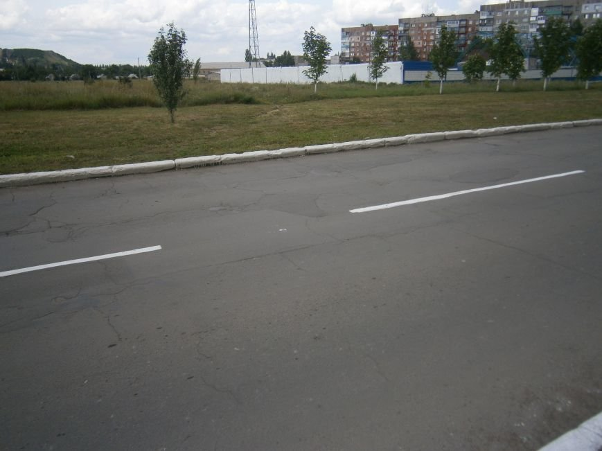 В Димитрове приступили к нанесению дорожной разметки (ФОТО) (фото) - фото 2