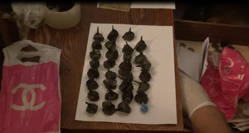 В Птичном при сбыте 37 свертков  героина задержан 25-летний мужчина (фото) - фото 2