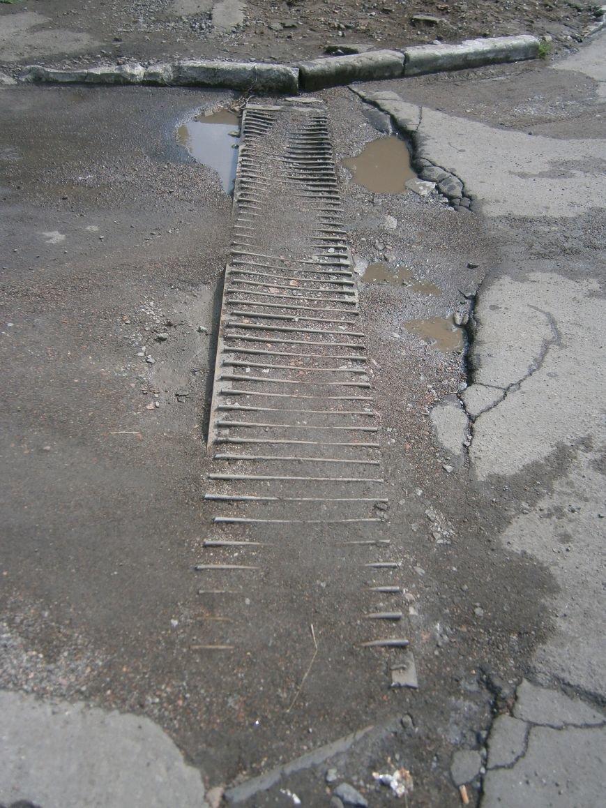 Попытка усовершенствовать ливневую систему в Димитрове – провалилась (фото) - фото 1
