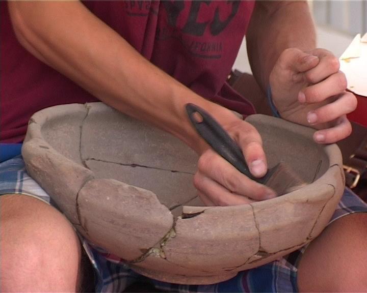 Студенты АГПА помогают археологам краеведческого музея восстановить картину исторического прошлого (фото) - фото 1