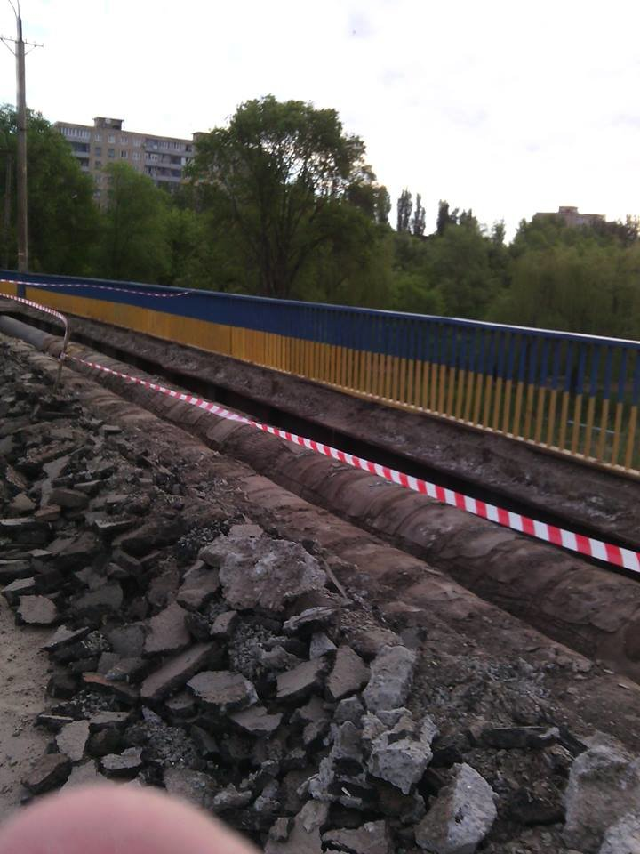 Перила на мосту Заречный -129 квартал после ремонта будут зеленого цвета, а не желто-синего (ФОТО), фото-2