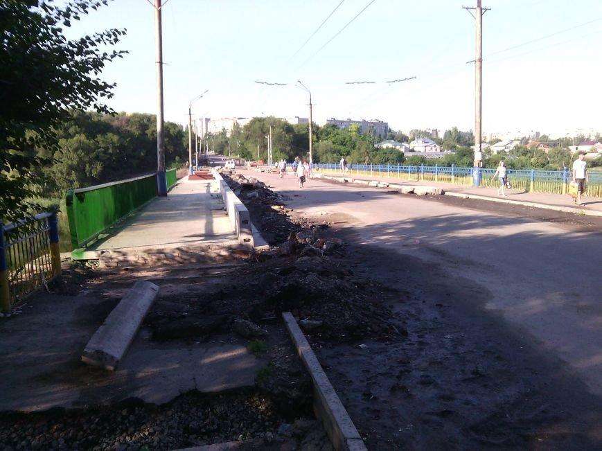 Перила на мосту Заречный -129 квартал после ремонта будут зеленого цвета, а не желто-синего (ФОТО), фото-1