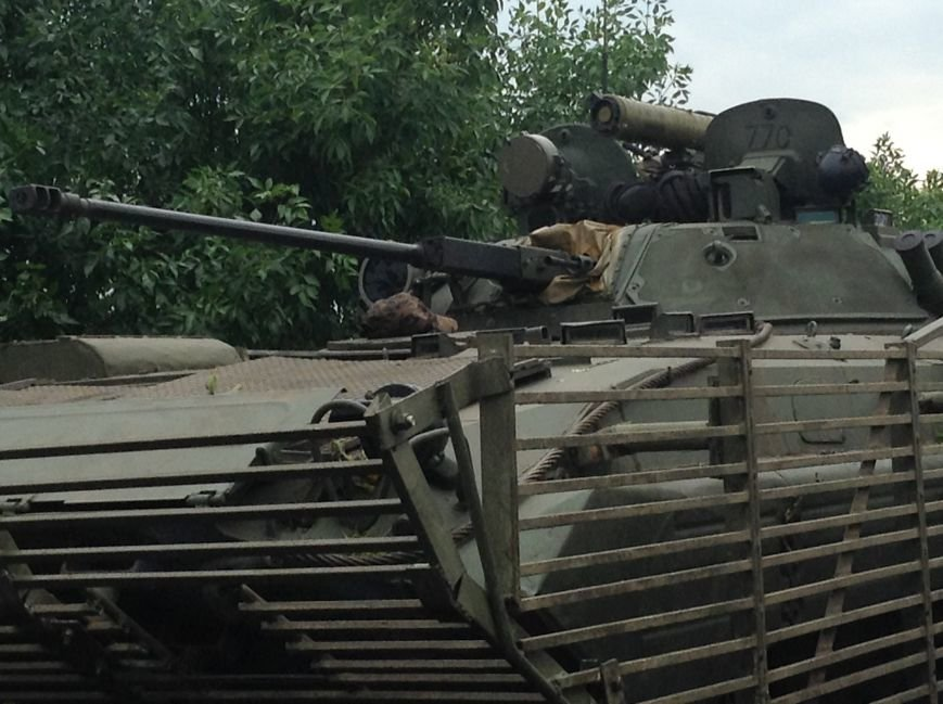 Уже вечером бойцы 56-ой мотопехотной бригады примут вторую линию обороны и станут на защиту Красноармейского и Марьинского районов, фото-4