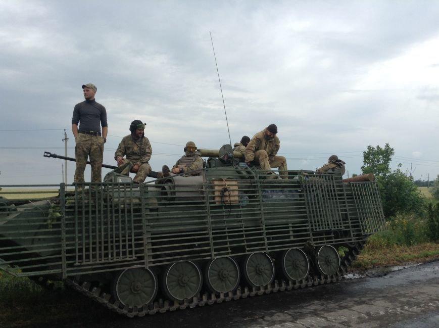 Уже вечером бойцы 56-ой мотопехотной бригады примут вторую линию обороны и станут на защиту Красноармейского и Марьинского районов, фото-2