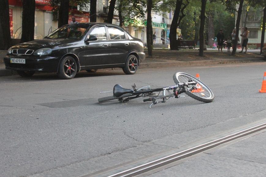 В Кривом Роге ребенок на велосипеде попал под колеса  «Chevrolet» (ФОТО), фото-15