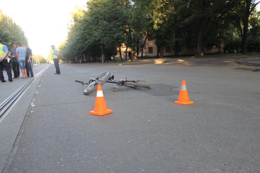 В Кривом Роге ребенок на велосипеде попал под колеса  «Chevrolet» (ФОТО), фото-12