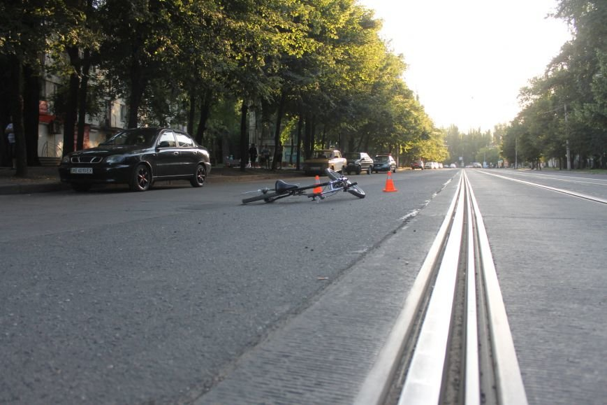 В Кривом Роге ребенок на велосипеде попал под колеса  «Chevrolet» (ФОТО), фото-14