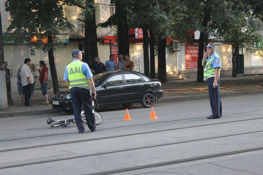 В Кривом Роге ребенок на велосипеде попал под колеса  «Chevrolet» (ФОТО), фото-2