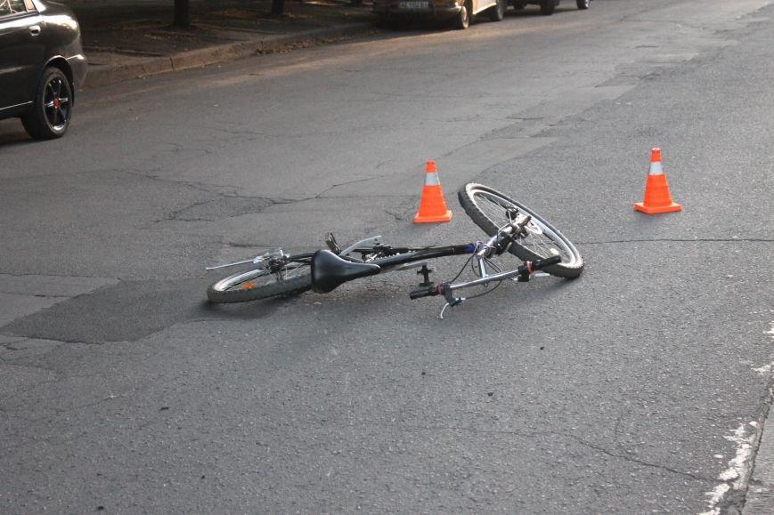 В Кривом Роге ребенок на велосипеде попал под колеса  «Chevrolet» (ФОТО), фото-13