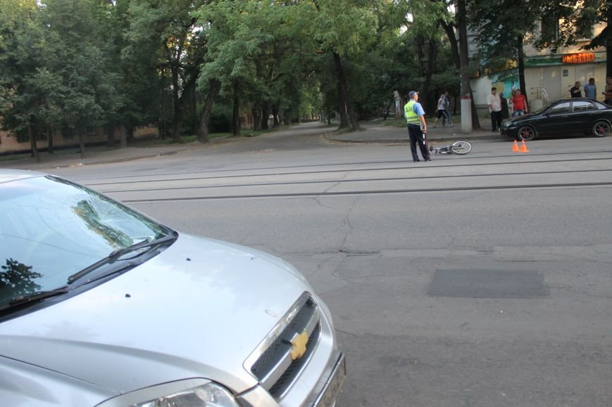 В Кривом Роге ребенок на велосипеде попал под колеса  «Chevrolet» (ФОТО), фото-3