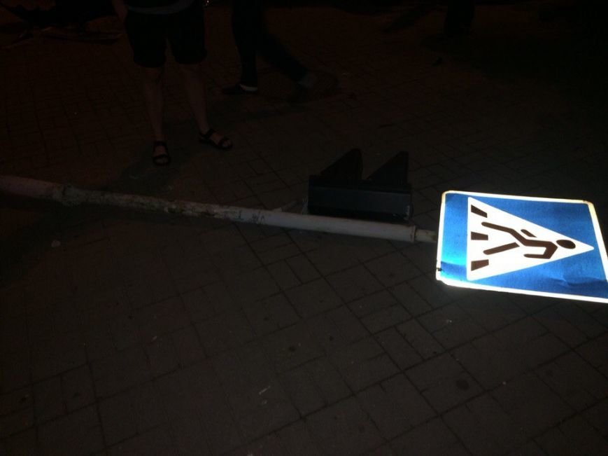 В Запорожье автомобиль милиции протаранил «Ланос» (ФОТО) (фото) - фото 1