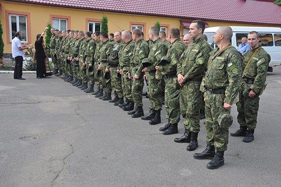 Загін буковинських правоохоронців вирушив у зону проведення АТО (фото) - фото 1
