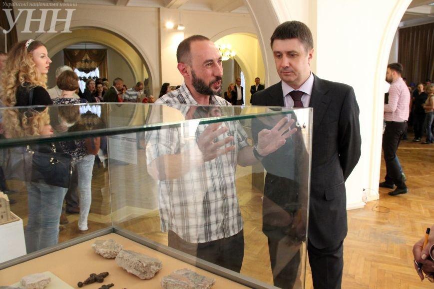 В Киеве открылась выставка, посвященная князю Владимиру Великому (ФОТО) (фото) - фото 1