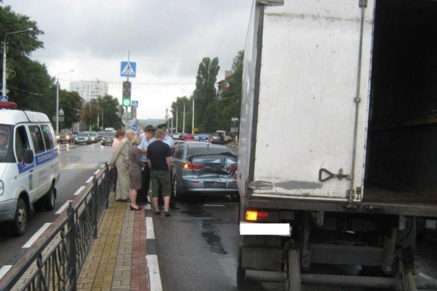 За прошедшие сутки на дорогах Белгородской области произошло два смертельных ДТП (фото) - фото 2