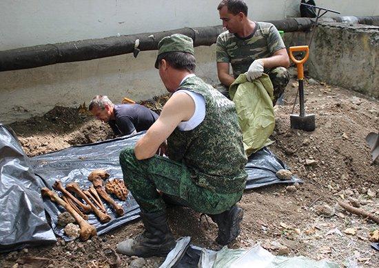 В Севастополе на территории воинской части найдены останки 14 советских воинов (ФОТО), фото-2