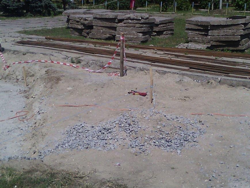 В Очакове начали сооружать фонтан (ФОТОФАКТ) (фото) - фото 3