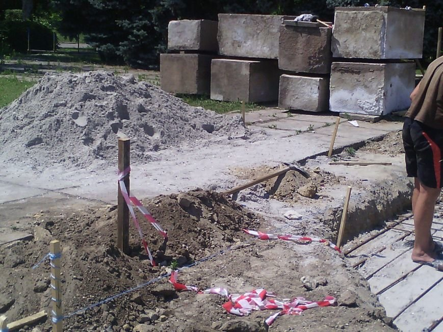 В Очакове начали сооружать фонтан (ФОТОФАКТ) (фото) - фото 5