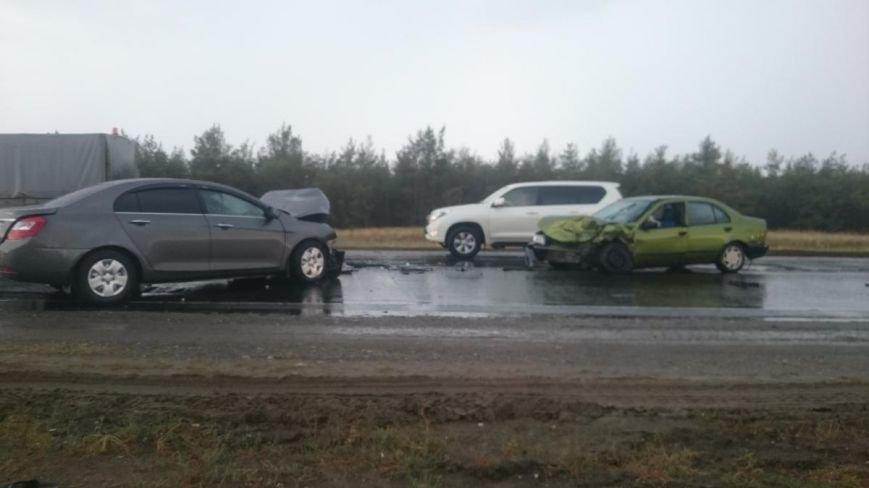 В ДТП в Калачевском районе пострадали пять человек, из низ трое дети (фото) - фото 1