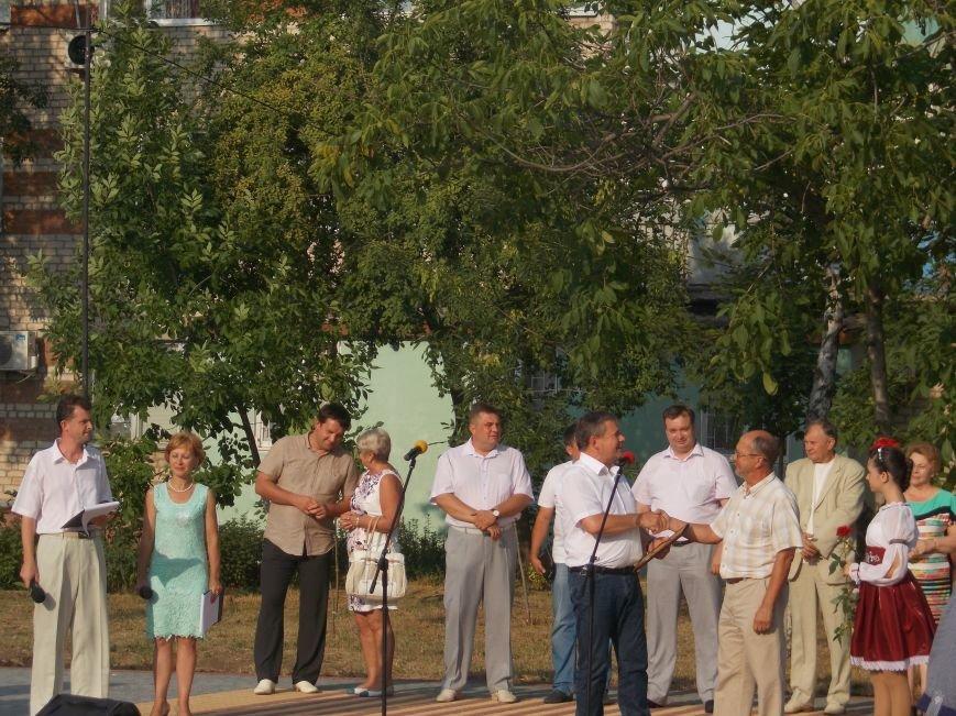 В Бердянске открыли обновленную часть бульвара Гайдара (фото) - фото 6