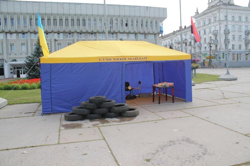 Опять Майдан? На пл. Независимости «Правый сектор» бессрочно поставил палатку и притянул покрышки (ФОТО), фото-4