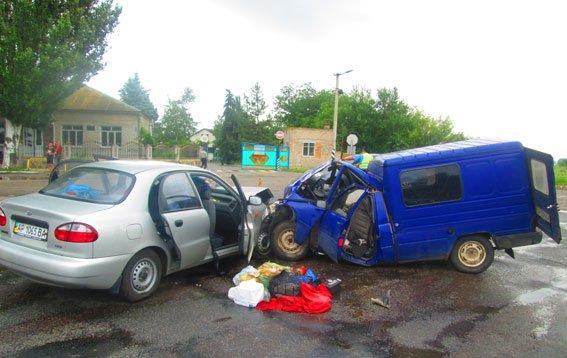 Смертельное ДТП в Запорожской области: один человек погиб, ещё семеро – в больнице (ФОТО) (фото) - фото 3