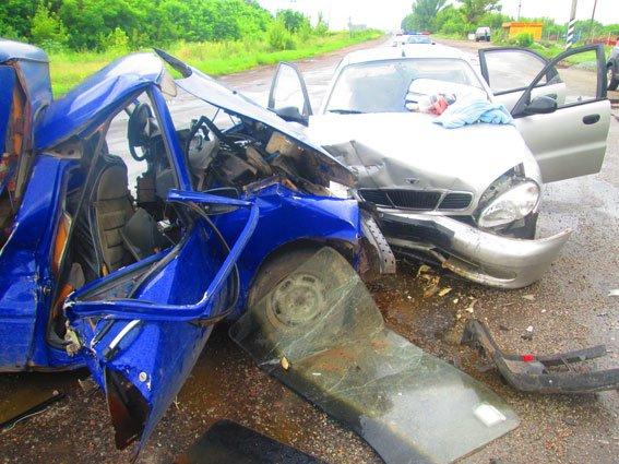 Смертельное ДТП в Запорожской области: один человек погиб, ещё семеро – в больнице (ФОТО) (фото) - фото 1