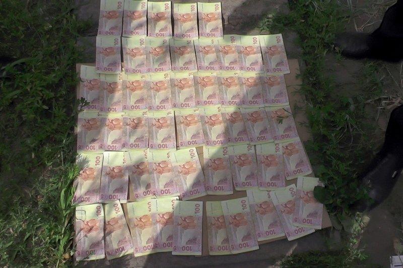У Кіровоградській області СБУ затримала співробітника міліції на хабарі. ФОТО (фото) - фото 1