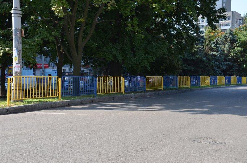 Мосты Днепропетровщины украсят в цвета национального флага (фото) - фото 1